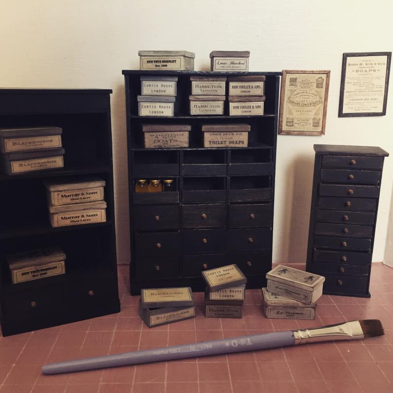 Old black furniture (Miniatura 2)